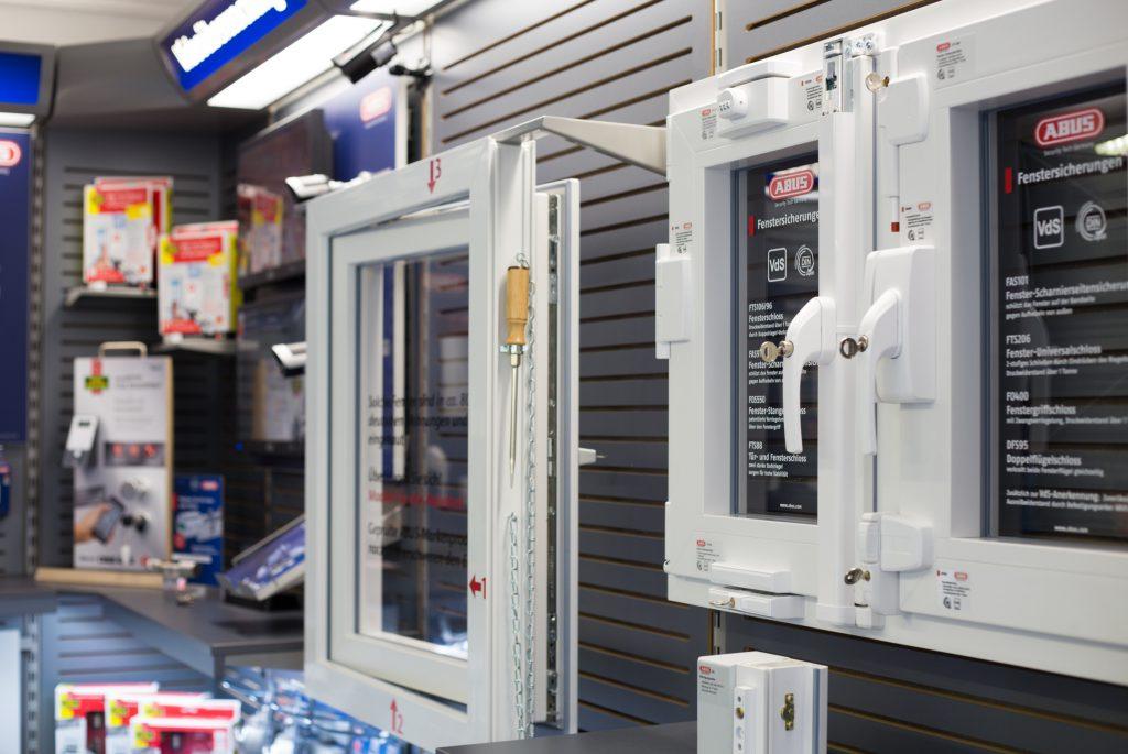 Mechanische Fenster- &  Balkontürabsicherung // Schlüsseldienst Mildebrath GmbH
