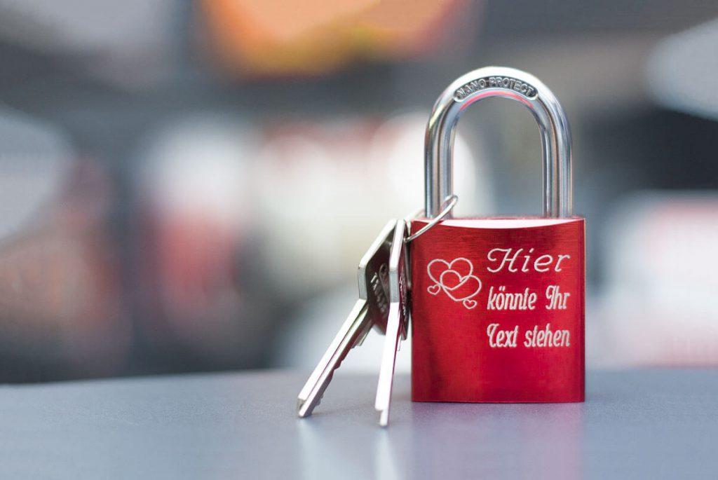 Lasergravur // Schlüsseldienst Mildebrath GmbH